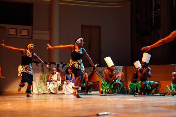 """Résultat de recherche d'images pour """"danse africaine 600x400"""""""